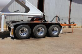 Boomerang-Tri-Axle-Dolly-under-Belly-Dumper
