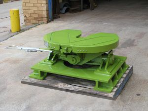 Custom fifth wheel manufacturing